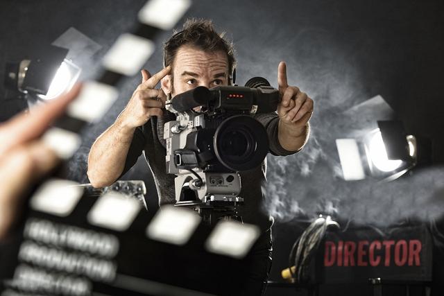 filmforgats-csapatepites-kamerakkal