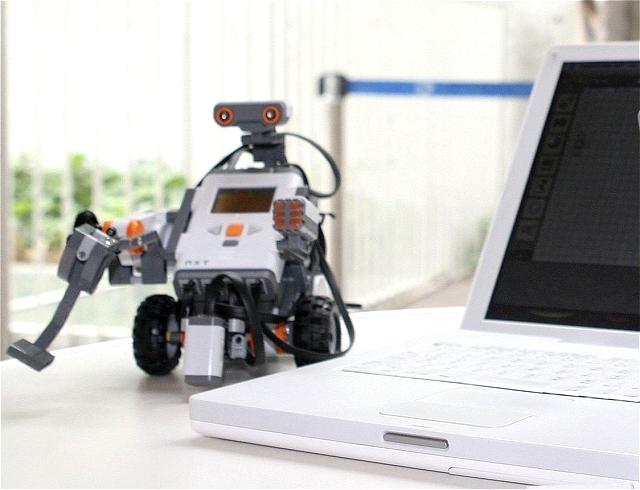 legorobot-indoor-csapatepites-Mindstorms